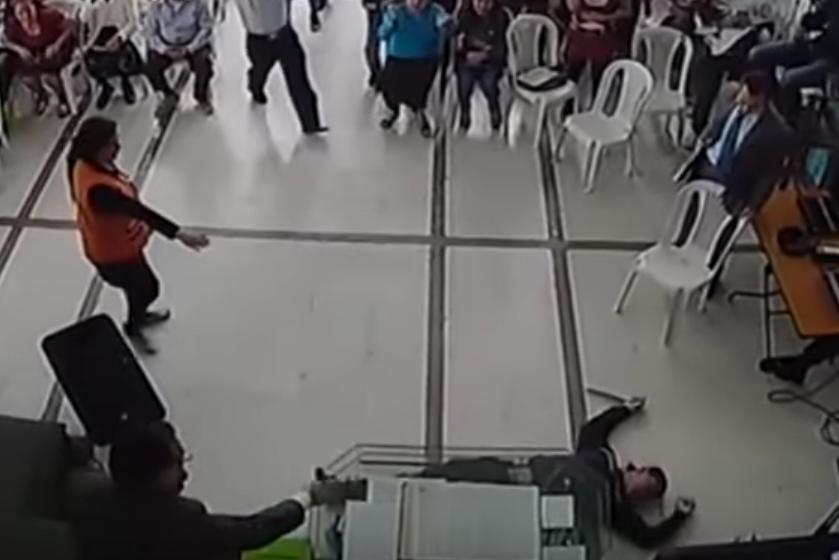 Skärmdump från församlingens videoupptagning.